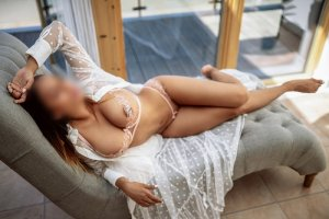 Guendalina tantra massage in Grants Pass OR